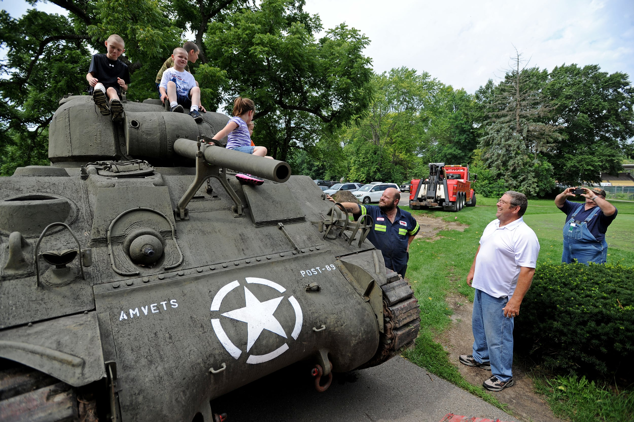 A WWII tank has found a new home at the Chillicothe Veterans Affairs Forrest E. Everhart Memorial Golf Course on Friday. The Veterans in Transition, Inc., in conjunction with the Military Veterans Resource Center of Ohio filed the necessary paperwork to get the tank, previous located at the Amvets Post 89 in Columbus, brought down to be placed next to the Starter House on the golf course.