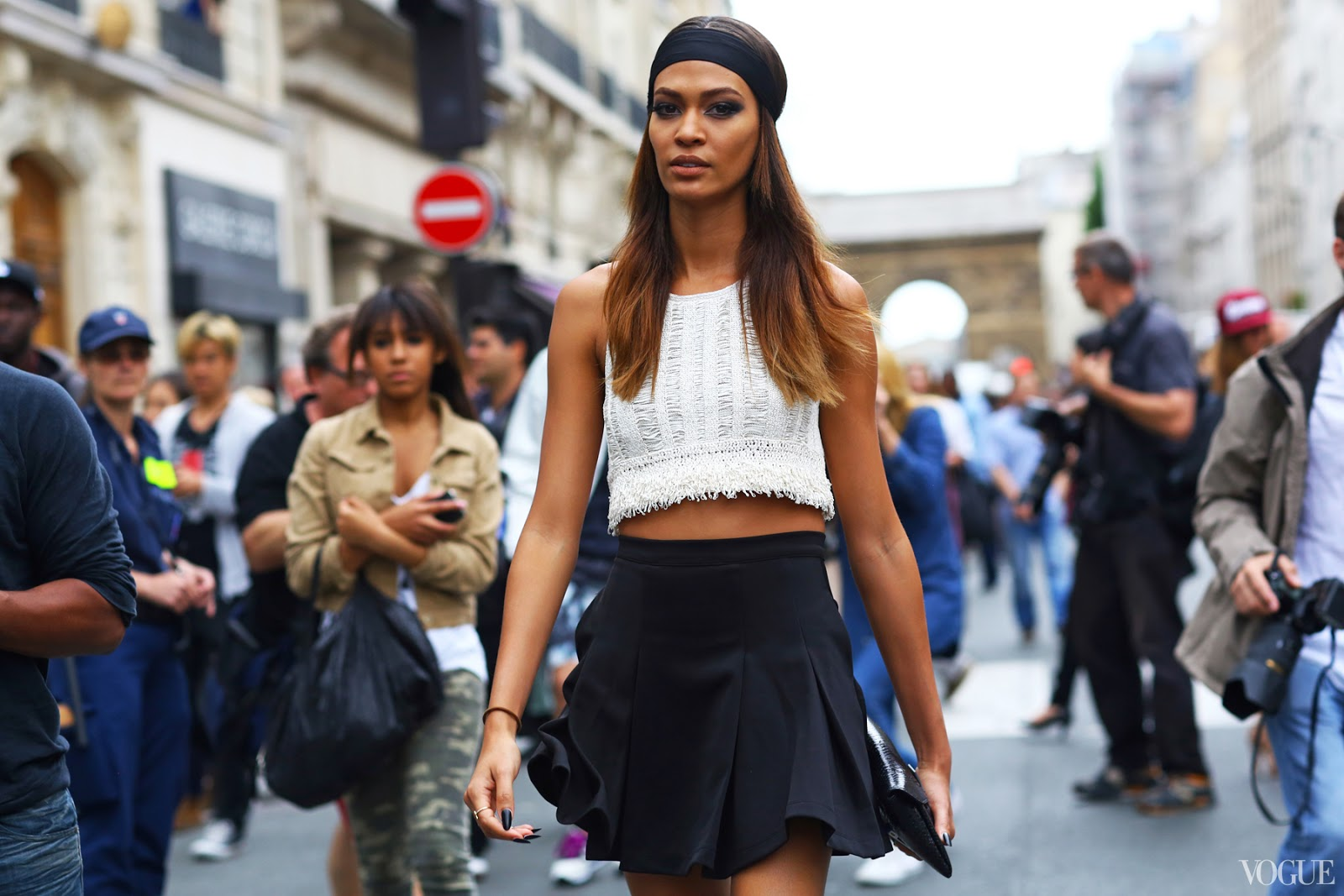 fashion-week-couture-street-style-black-and-white.jpg