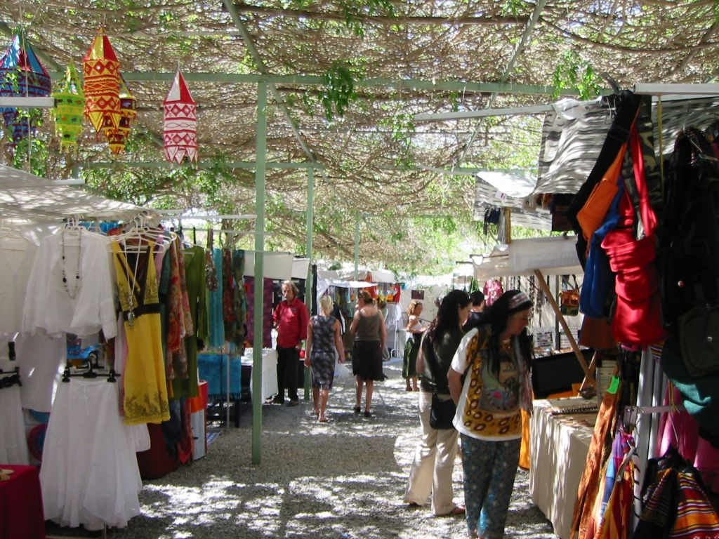 dressed-in-shopping-guide-ibiza-hippy-market-las-dalias2.jpg