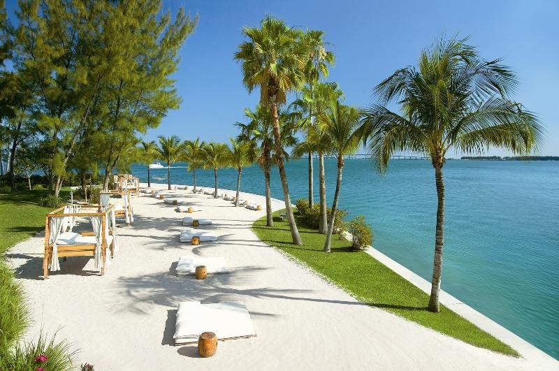 Mandarin_Oriental_Miami_Oasis_Beach_Club.jpg