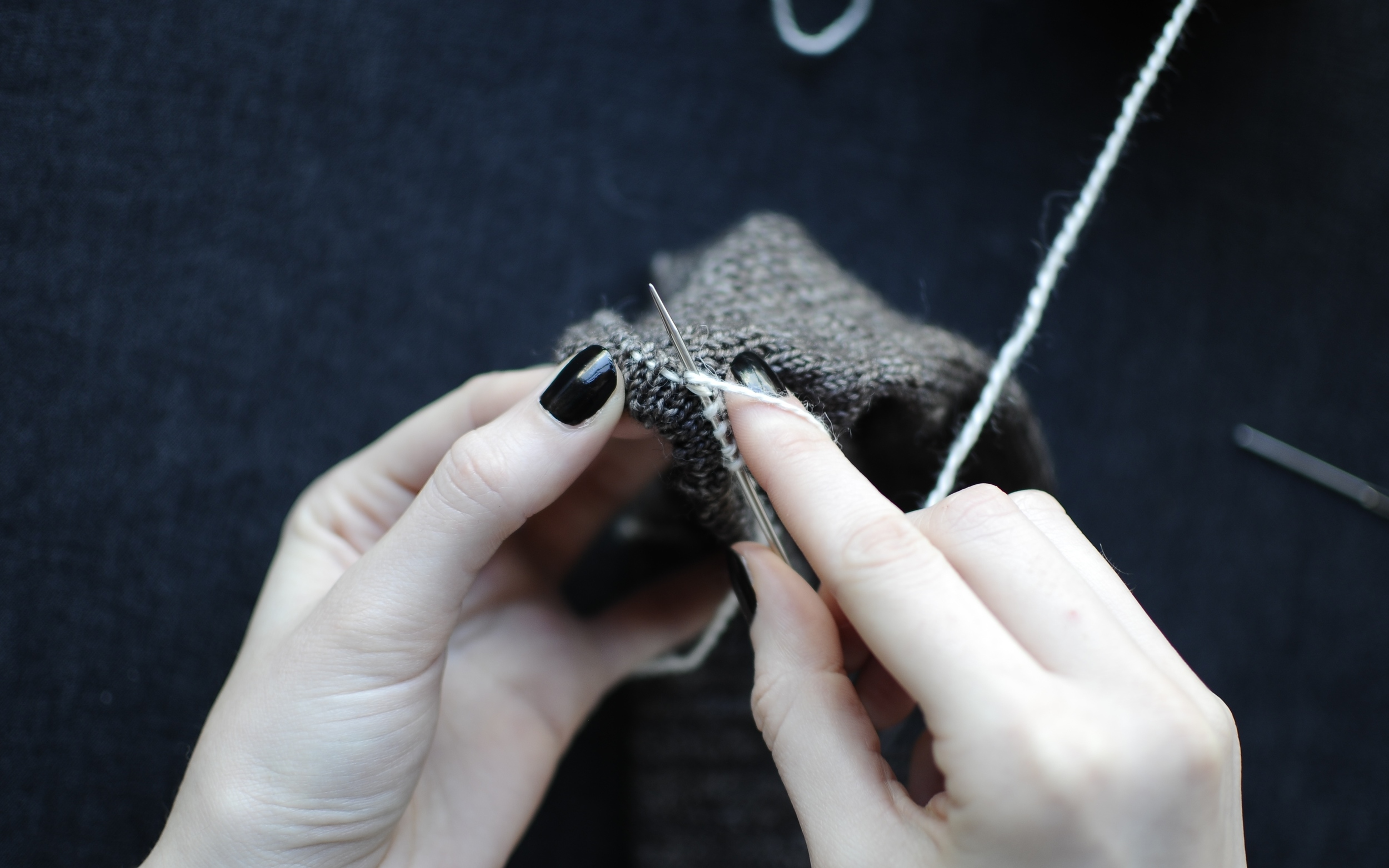 5. Continue to repeat Steps 3 - 4 to pick up all the stitches around the circumference of the cuff.