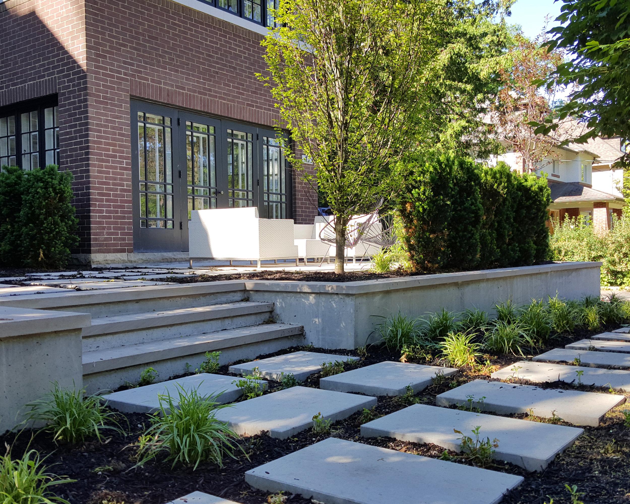 Modern-Concrete-Garden-Wall.jpg