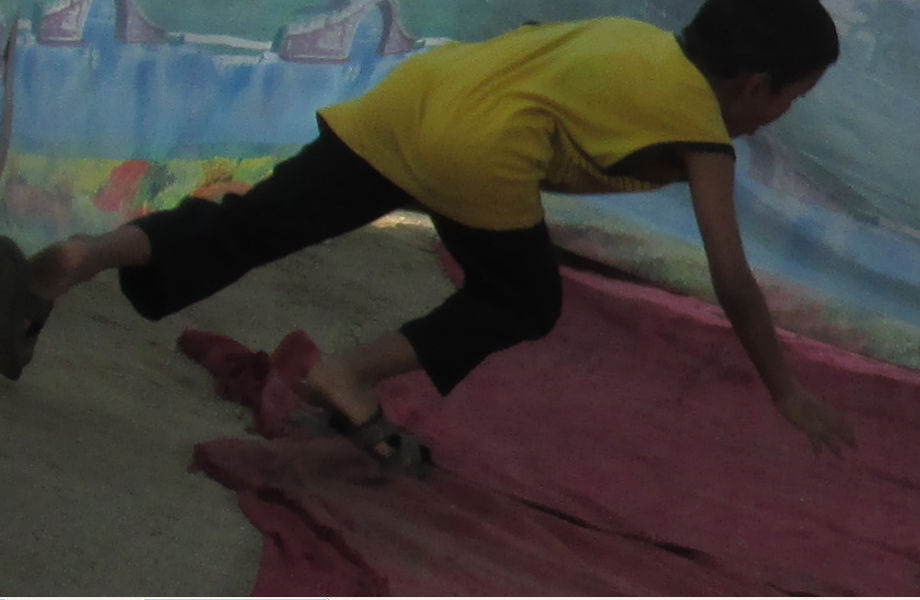 Boy_doing_somersault.png