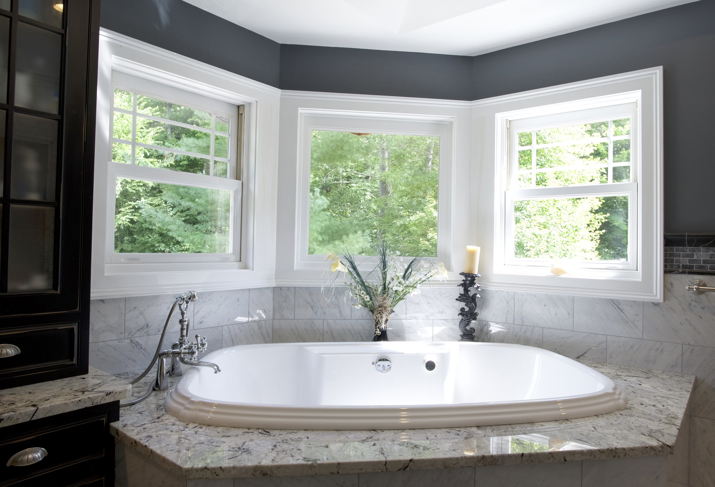 master bathtub.jpg