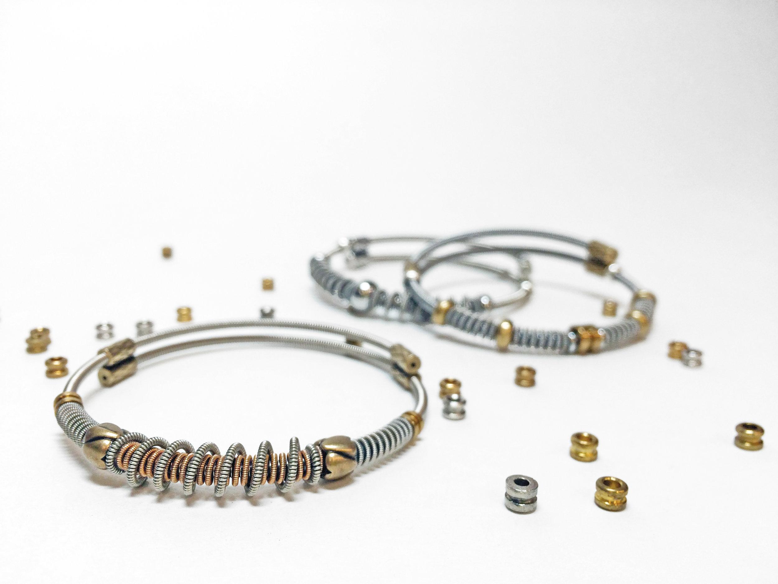 slide-2-tone-heart-beads-02.jpg