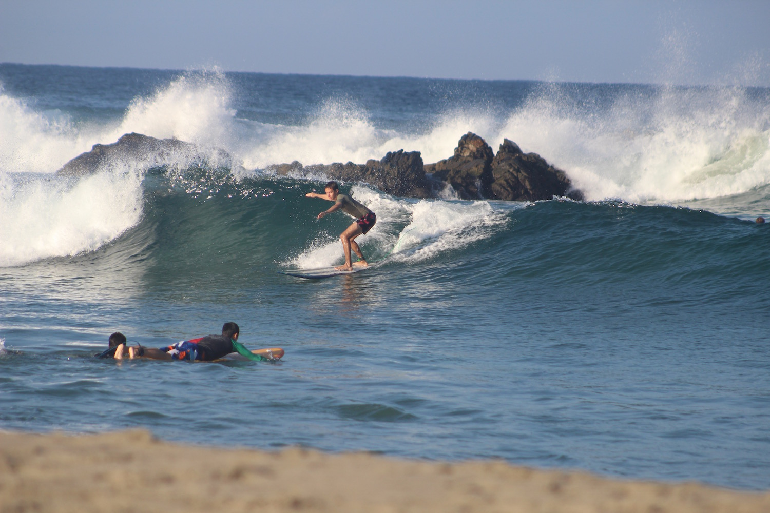 learning-surfing-1.jpg