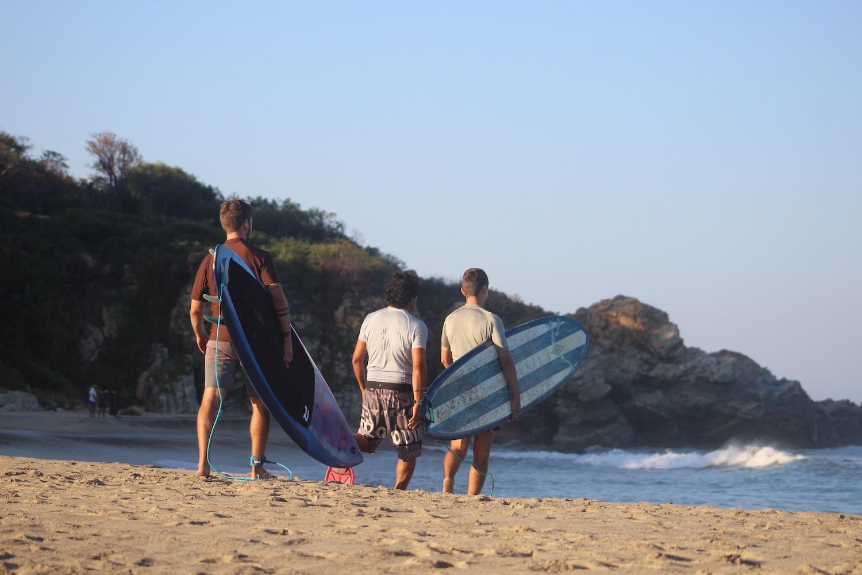 semi-private-surfing-lesson.jpg