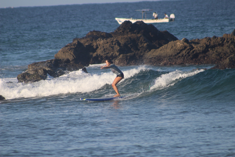 beginner-surfer.jpg