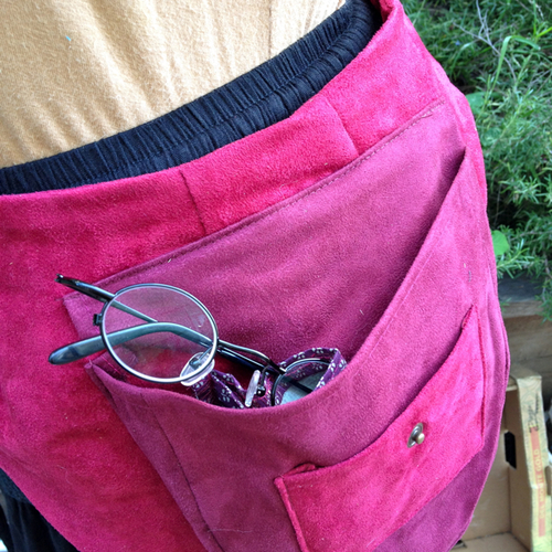- Eyeglasses pocket