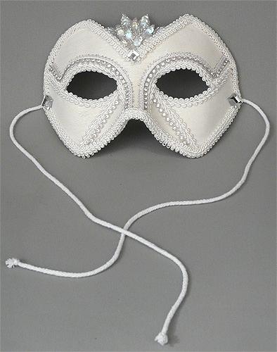 groommask2.jpg