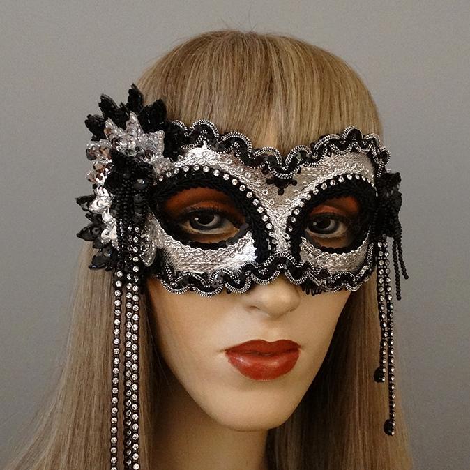 liza-mask.jpg
