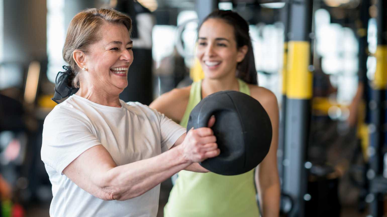woman_lifting_weights.jpg