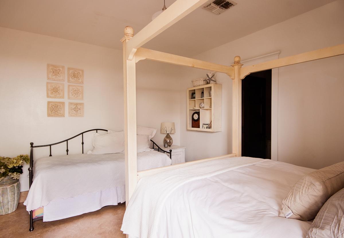 Familia-Bedroom-2.jpg