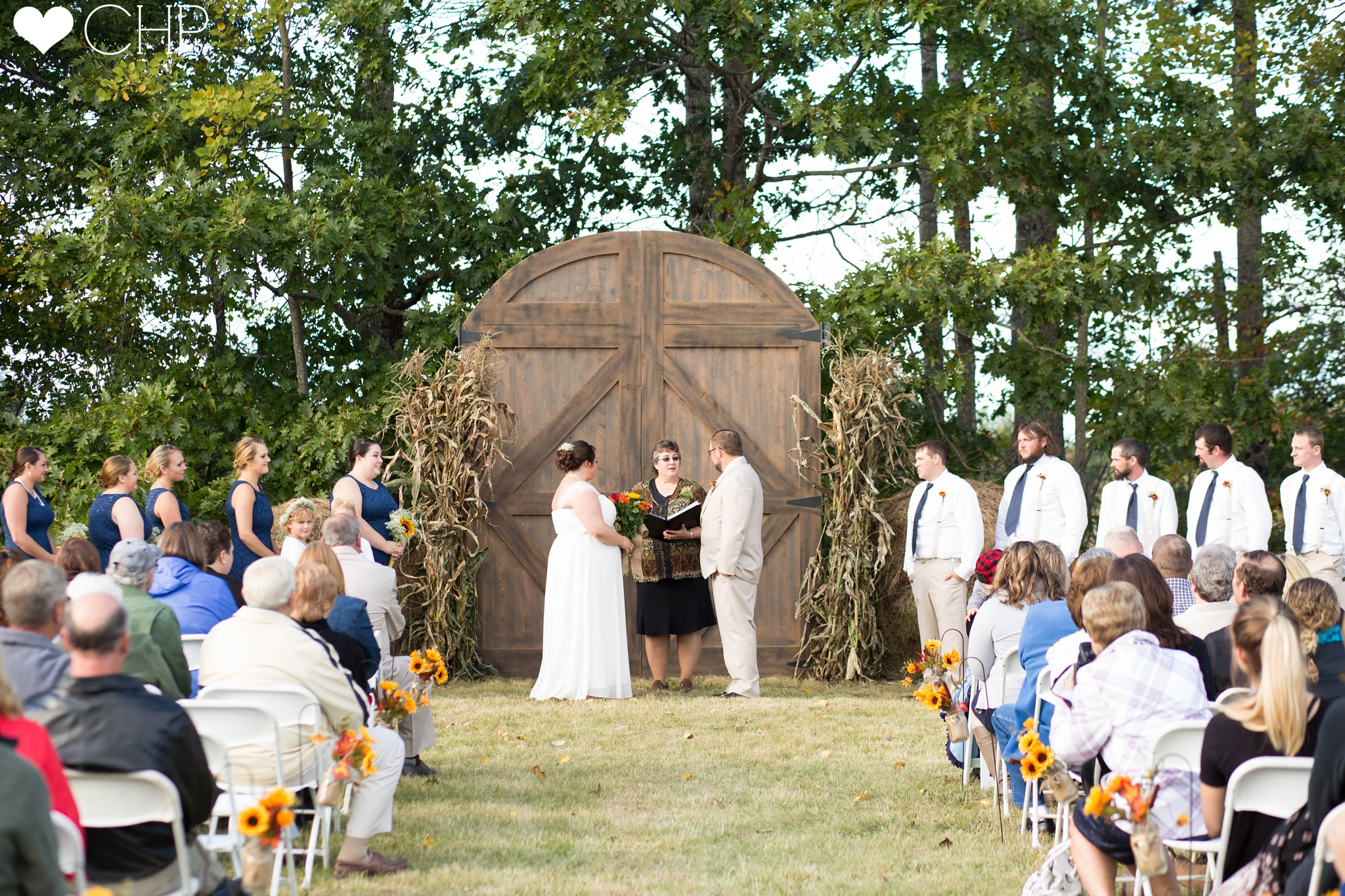 Fall-Country-themed-wedding