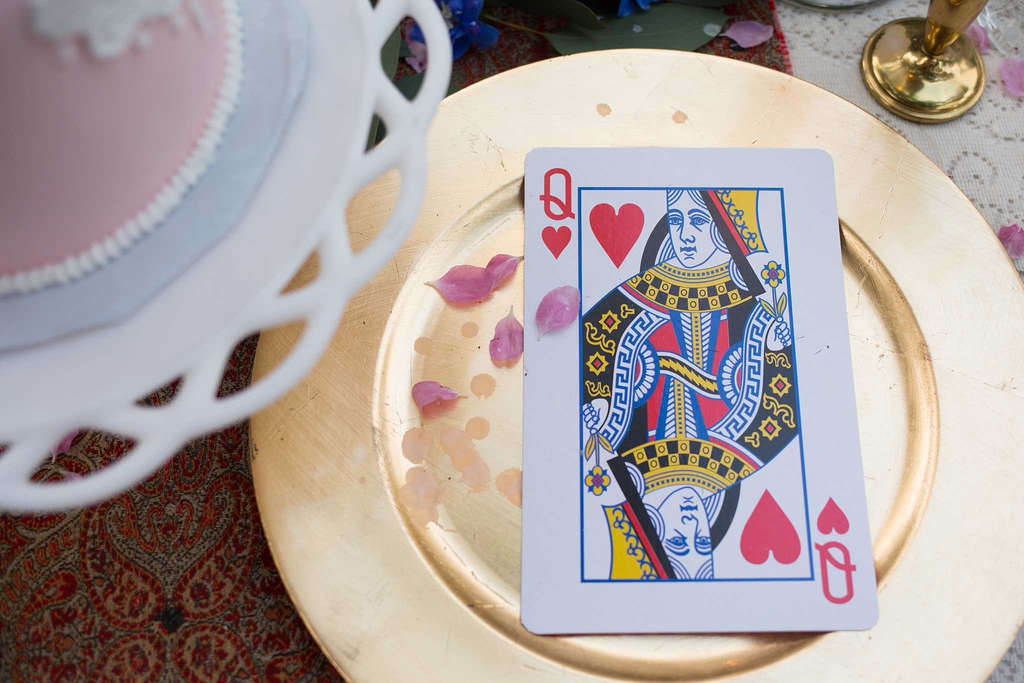 Queen-of-hearts-table-scape