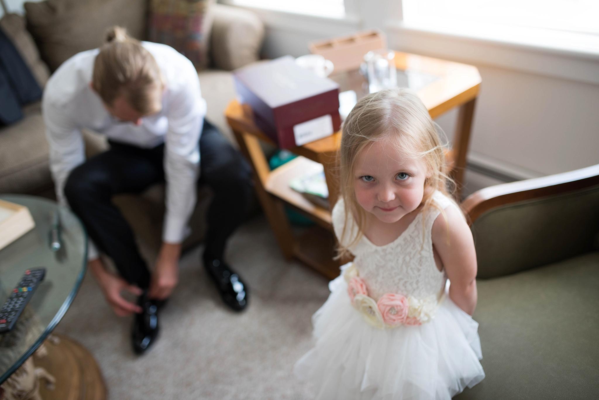 flower girl and groom
