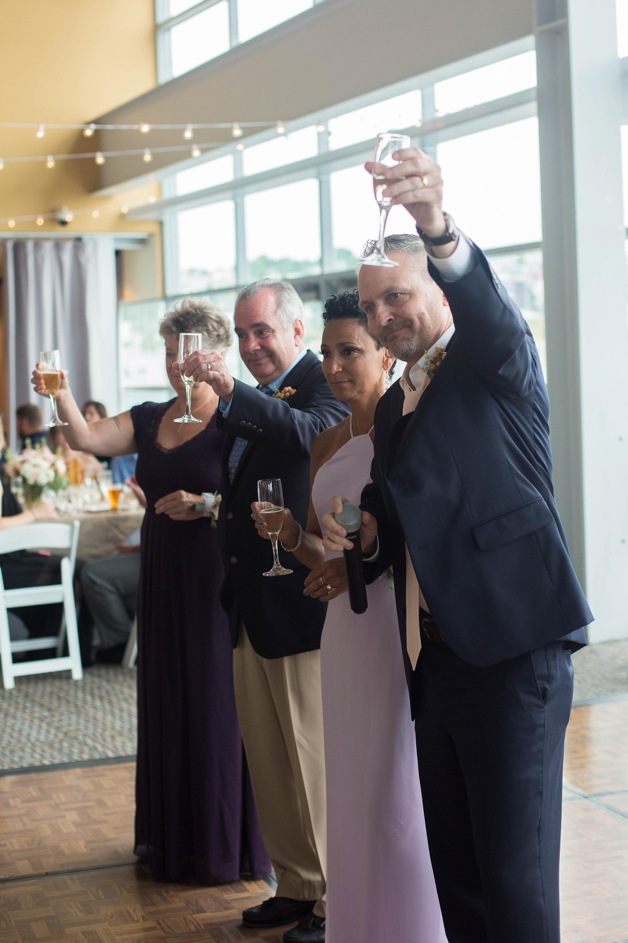 parents toasts at wedding