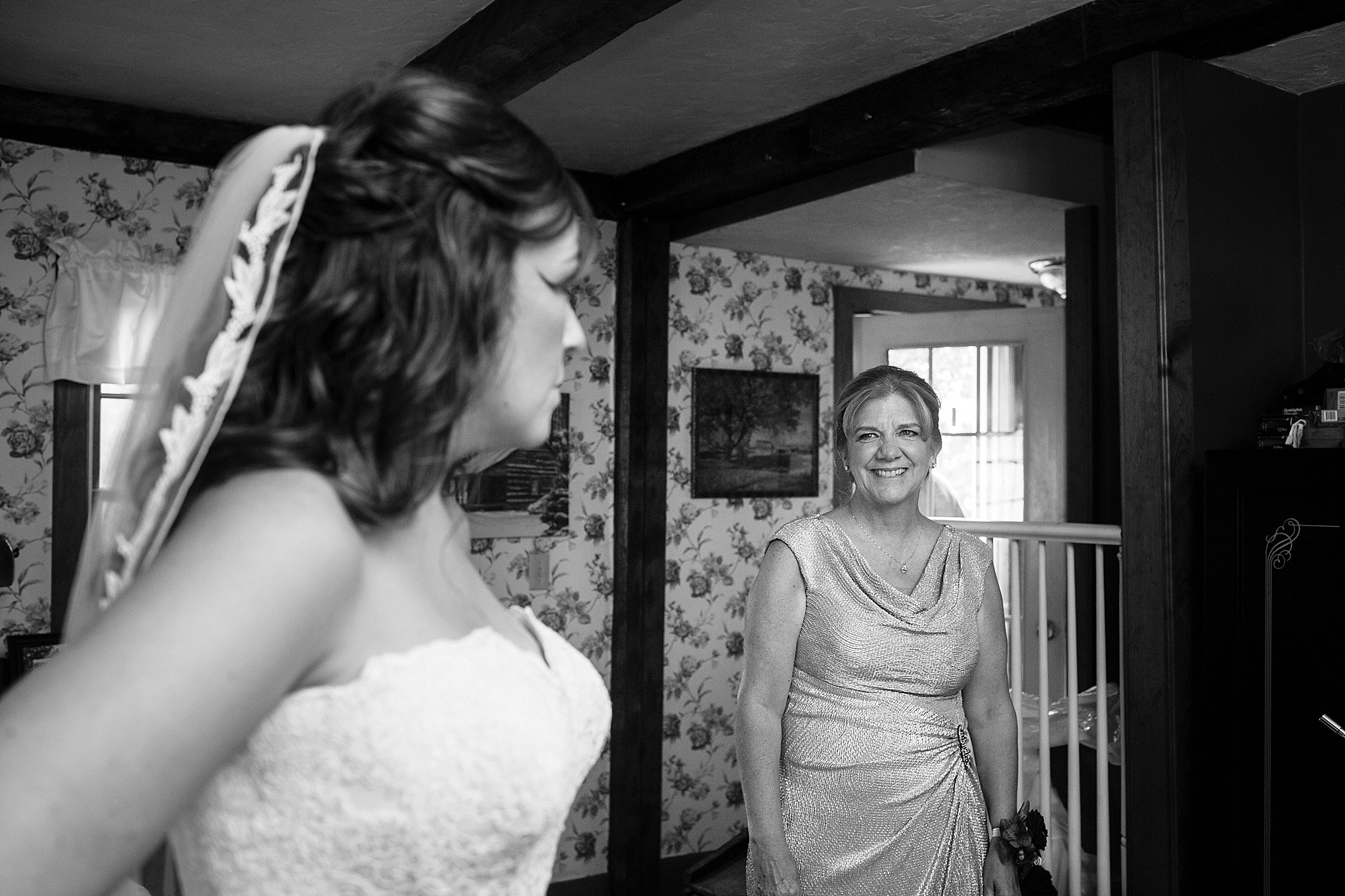 mother seeing bride