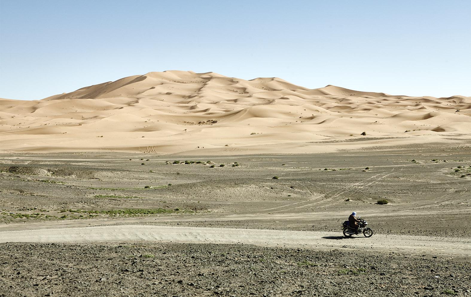 THE ROAD THE DESERT - MOROCCO