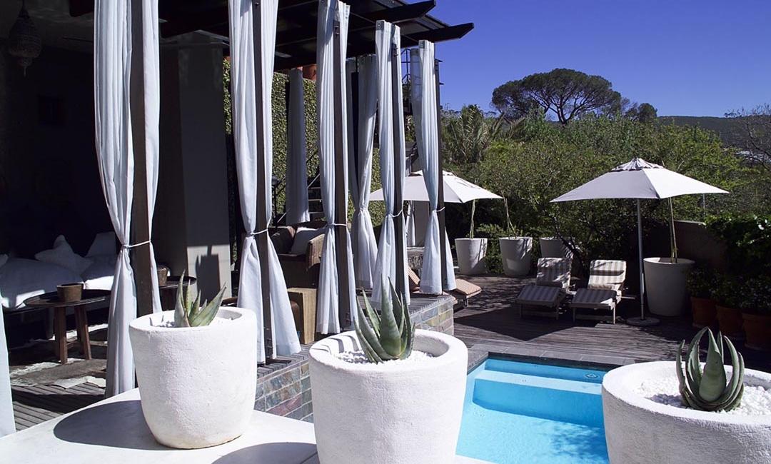 Detail Pool + Terrace.jpg