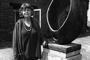Margaret-Gardiner-with-Barbara-Hepworth's-Curved-Form-(Trevalgan)-2.jpg