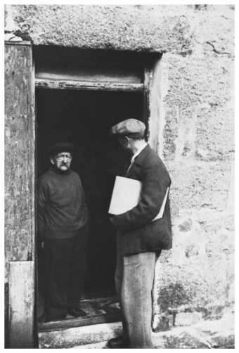 Alfred Wallis and Ben Nicholson in St. Ives, courtesy Tate.org