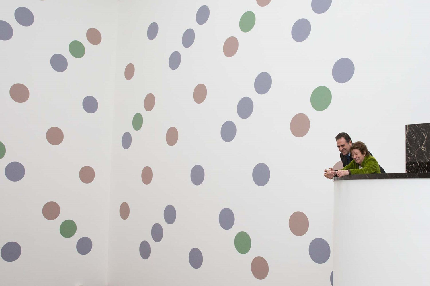 Image: Bridget Riley and our Director Gabriele Finaldi looking at 'Messengers' © 2019 Bridget Riley. All rights reserved/Photo: The National Gallery, London