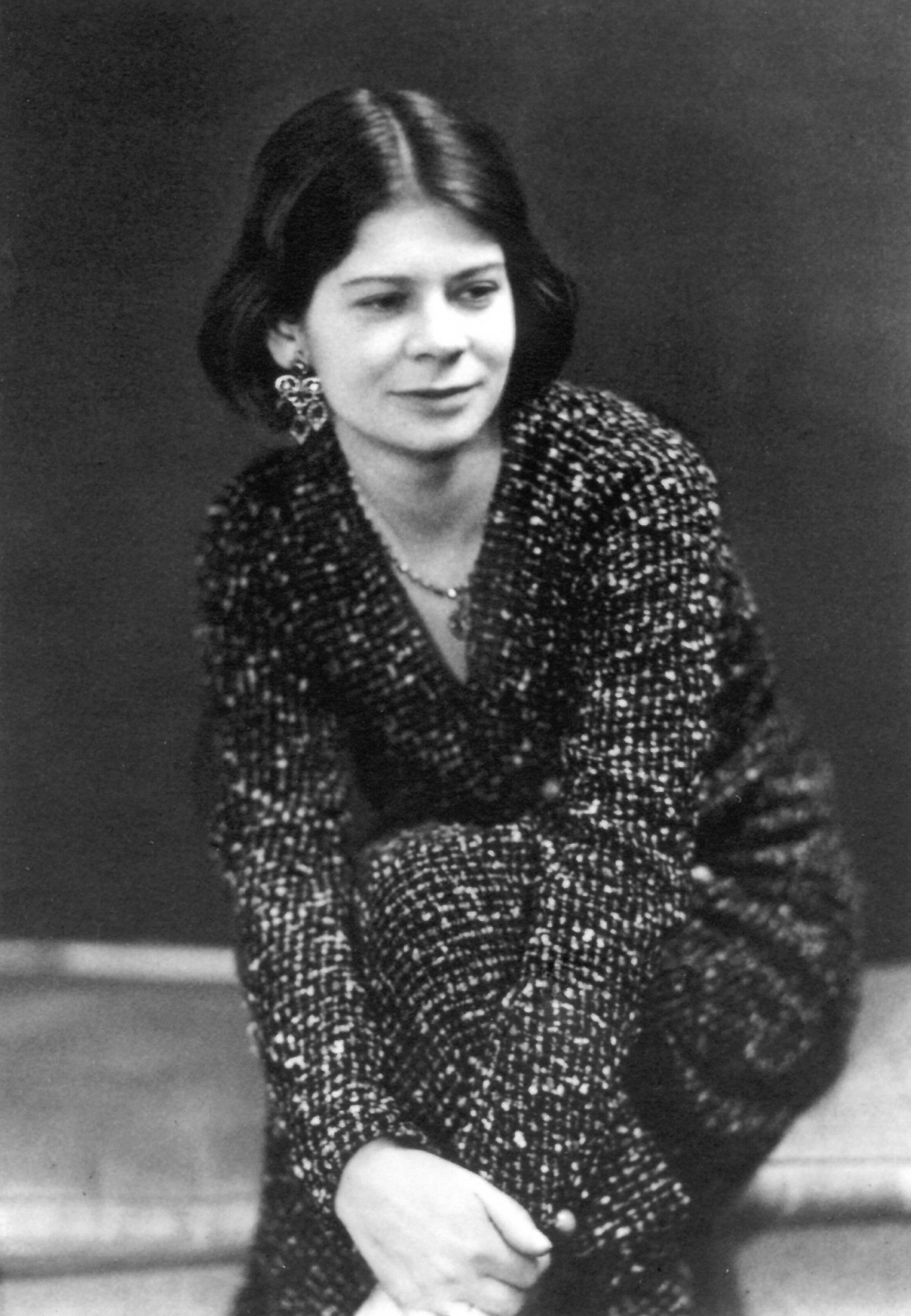 Image: Margaret Gardiner c. 1932 by Ramsay and Muspratt photographers