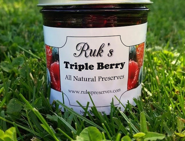 8 oz. Jar                 (January - December)    Triple Berry is one of the favorites! Enjoy the flavors of Home-Grown, Hand-Picked Blueberries, Red Raspberries and Strawberries in every bite!    Ingredients: Red Raspberries, Strawberries, Blueberries, Sugar, Pectin
