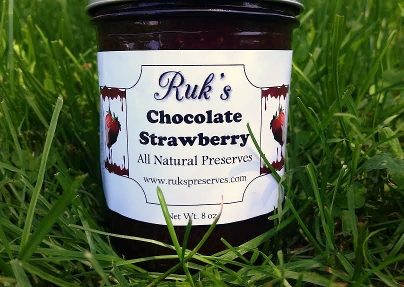 8 oz. Jar                       (January - December)    Drizzle Chocolate Strawberry over your pancakes or strawberry shortcake and it is sure to be a crowd pleaser!    Ingredients: Strawberries, Sugar, Pectin, Cocoa, Organic Lemon Juice