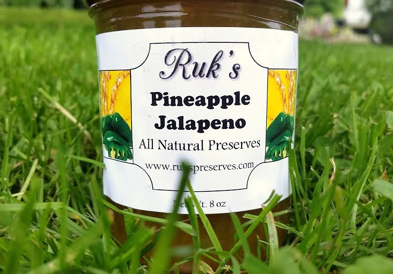 8 oz. Jar             (January - December)    Pineapple Jalapeno is a delicious flavor combination for a wide variety of uses.Try this on grilled chicken or oven baked ham for a tasty glaze!    Ingredients: Pineapple, Sugar, Jalapenos, Pectin, Organic Lemon Juice
