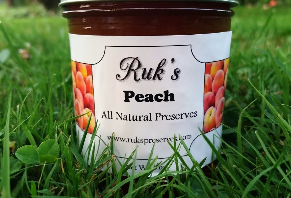8 oz. Jar                           (July - October)    Our Peach Preserves are made with Gettysburg peaches! With it's easily spreadable consistency and fabulously strong peach flavor, it might just be your new favorite!    Ingredients: Peaches, Sugar, Pectin, Organic Lemon Juice