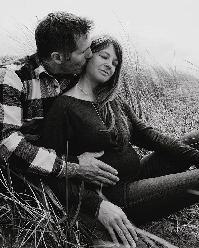 I had the pleasure of photographing my sister Sam & her husband Dustin's maternity photos this past weekend in Oregon. 💕 Love my job...especially when I get to do things like this 💕 Congrats sis!!! . . . . . . . . . . . . . #newyorkweddingphotographer #brooklynweddingphotographer #maternityphotography #maternityshoot #oregonweddingphotographer #manzanita #portlandweddingphotographer #intimateweddingphotographer #weddinginspo #bohobride #junebugweddings #greenweddingshoes #overthemoon #radlovestories #loveauthentic #authenticlovemag #magnoliarouge #marthastewartweddings #nycwedding #destinationweddingphotographer #losangelesweddingphotographer #mothertobe #surfergirl #couplegoals #theknot #brooklynwedding #adventurouslovestories #wildhairandhappyhearts #santabarbaraweddingphotographer #indiewedding