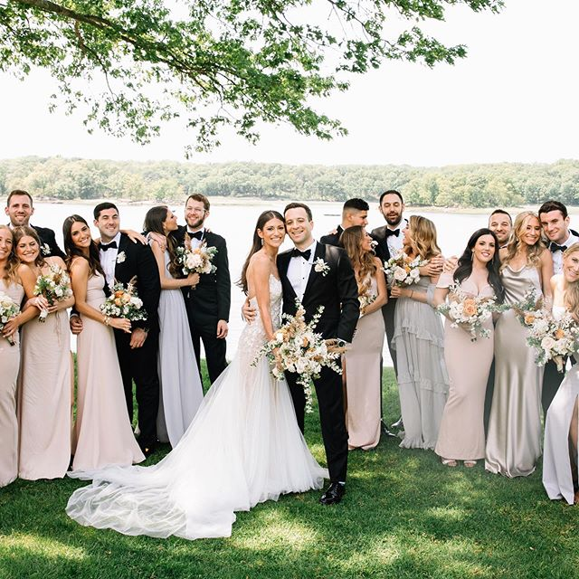 💗 Sam & Mike's bridal party 💗 . . . . . . . . . . . . . . . . . . . . . . #newyorkweddingphotographer #brooklynweddingphotographer #belovedstories #loveauthentic #authenticlovemag #bridesmagazine #bridesmag #overthemoon #marthastewartweddings #junebugweddings #greenweddingshoes #nycweddingphotography #brooklynwedding #weddinginspiration #weddinginspo #indiebride #indiewedding #bohemianwedding #bohowedding #wellwedmagazine #belovedstories #radlovestories #realweddings #bridalparty #weddingphotography #lizmartinez #bridesmaids #losangelesweddingphotographer #estatewedding