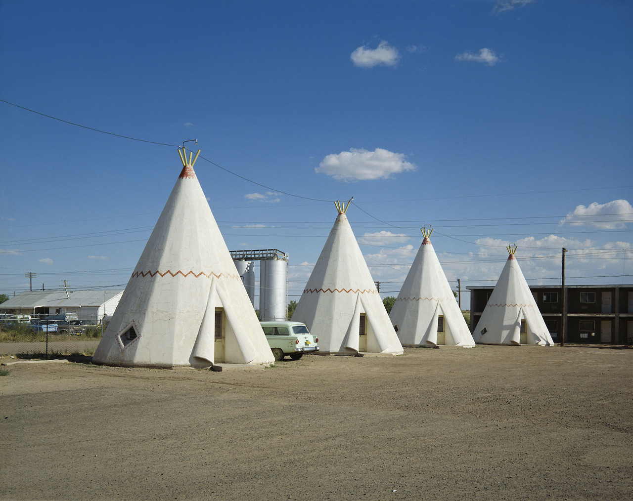 Wigwam Motel, Holbrook, AZ. August 10, 1973. Copyright Stephen Shore, Courtesy of Edwynn Houk Gallery
