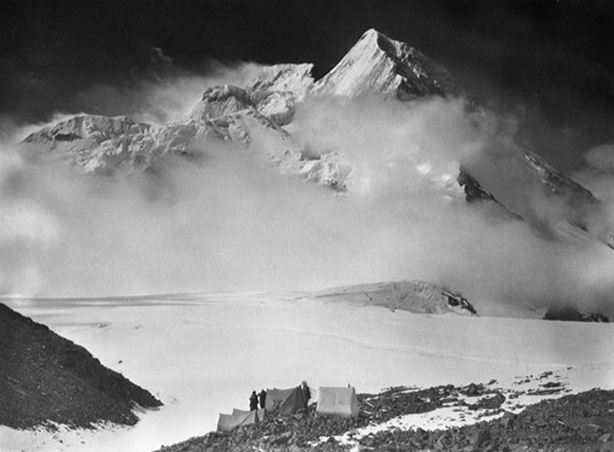 Vittorio Sella. Sella Pass, Broad Peak and Godwin Austen Glacier. Baltistan, 1909