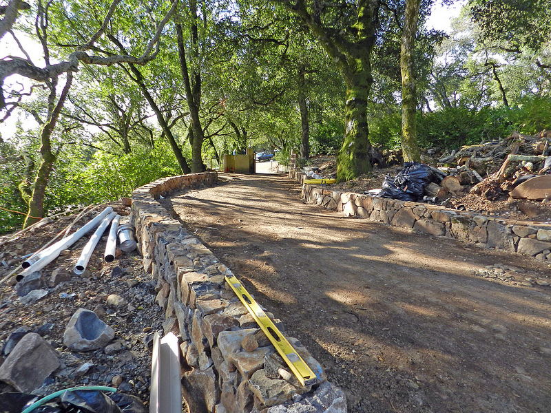 DRIVEWAY AND RETAINING WALL CONSTRUCTION