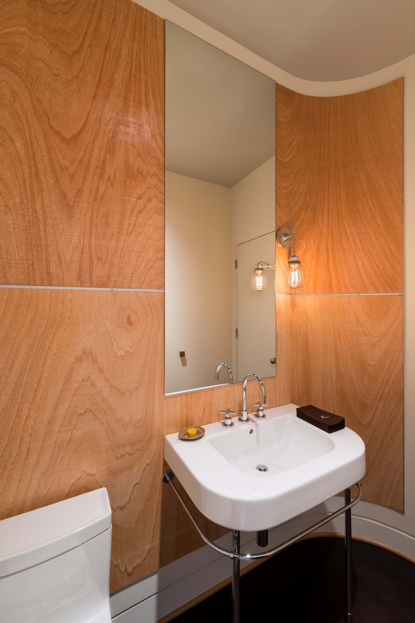 West Hills Modern_Interior_Half_Bath.jpg