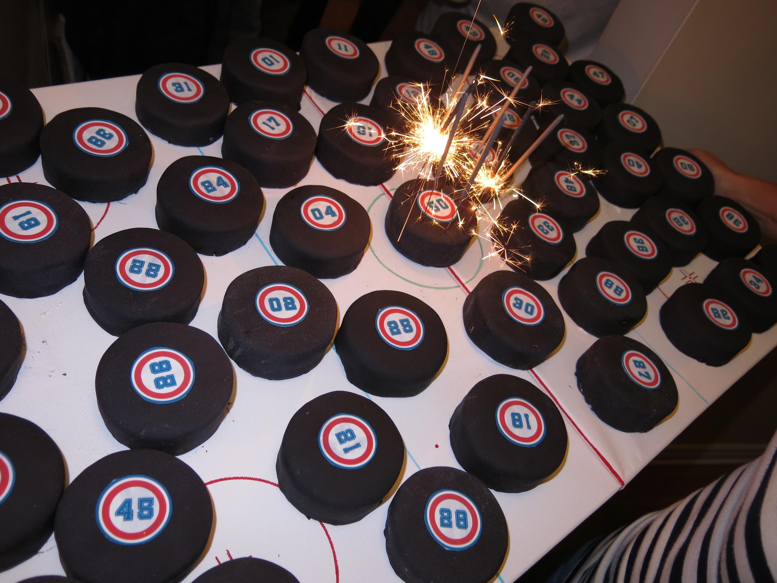 Le gâteau de fête des plus original. (Photo Larry)