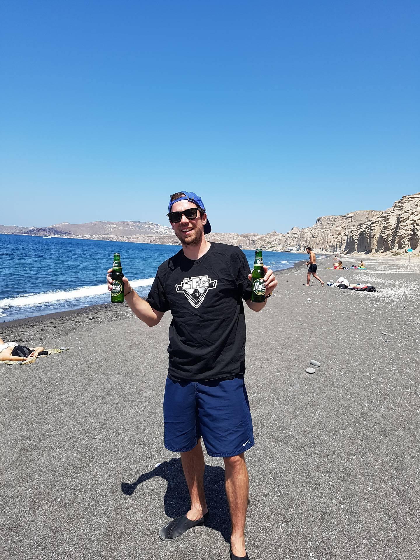 Même en vacances en Grèce, le valeureux assistant des Loggers Simon Lavery-Lebeau rep la LFA ! En espérant qu'il revienne en forme et qu'il ne scrappe pas le travail qu'on a fait sans lui ces dernières semaines..;) <3