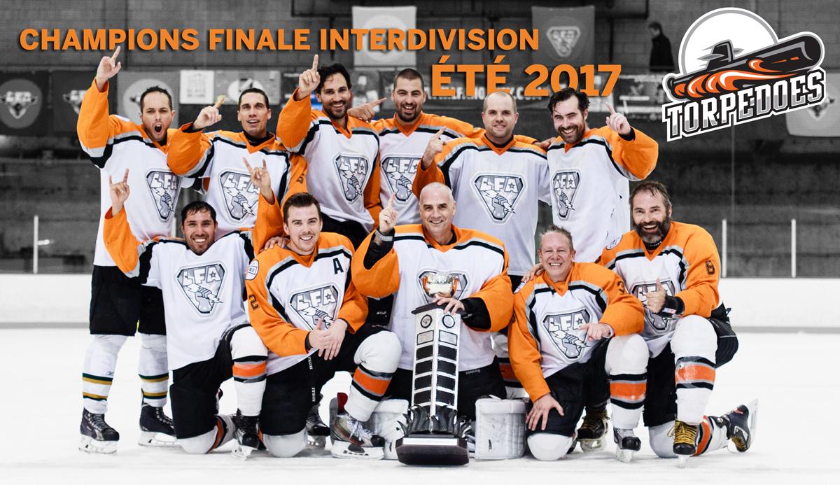 Les Simwell Torpedoes de la Division Montréal, champions de la saison estivale 2017 (photo Joe fleming)