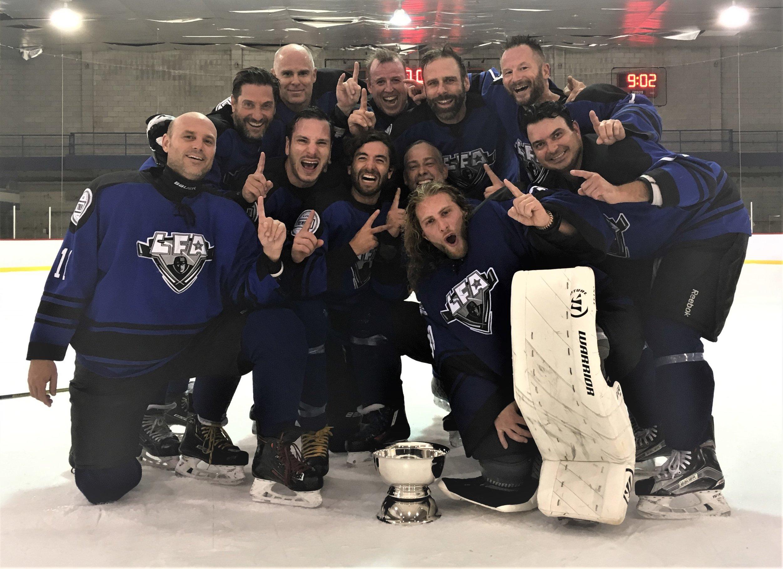 les barbares, champions d'été 2019 de la division satellite de la lfa (photo jfd)