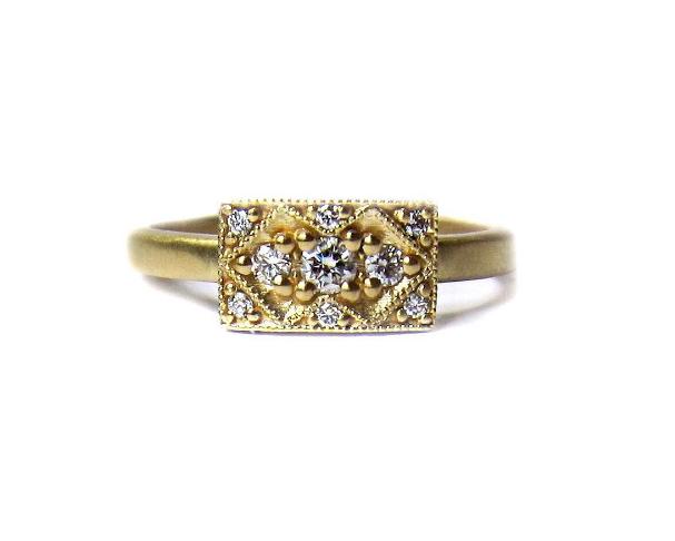 Quercus-Raleigh-18k-Gold-Custom-Engagement-Ring.jpg