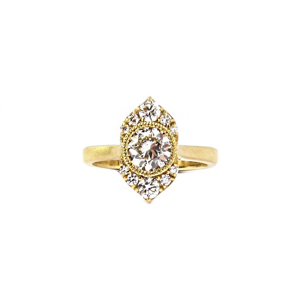 Babson-Engagement-Medium-Ring.jpg