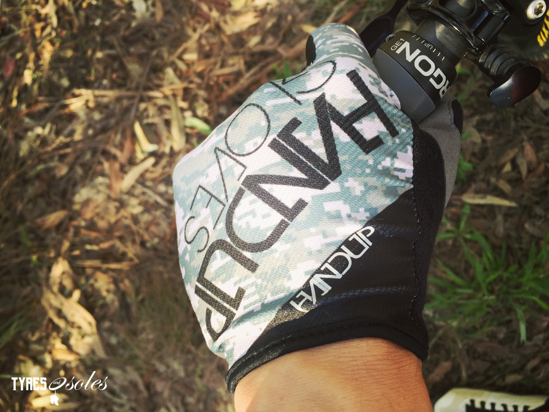 HANDUP GLOVES…for grabbin' bars. Pic: ©Jason Lorch