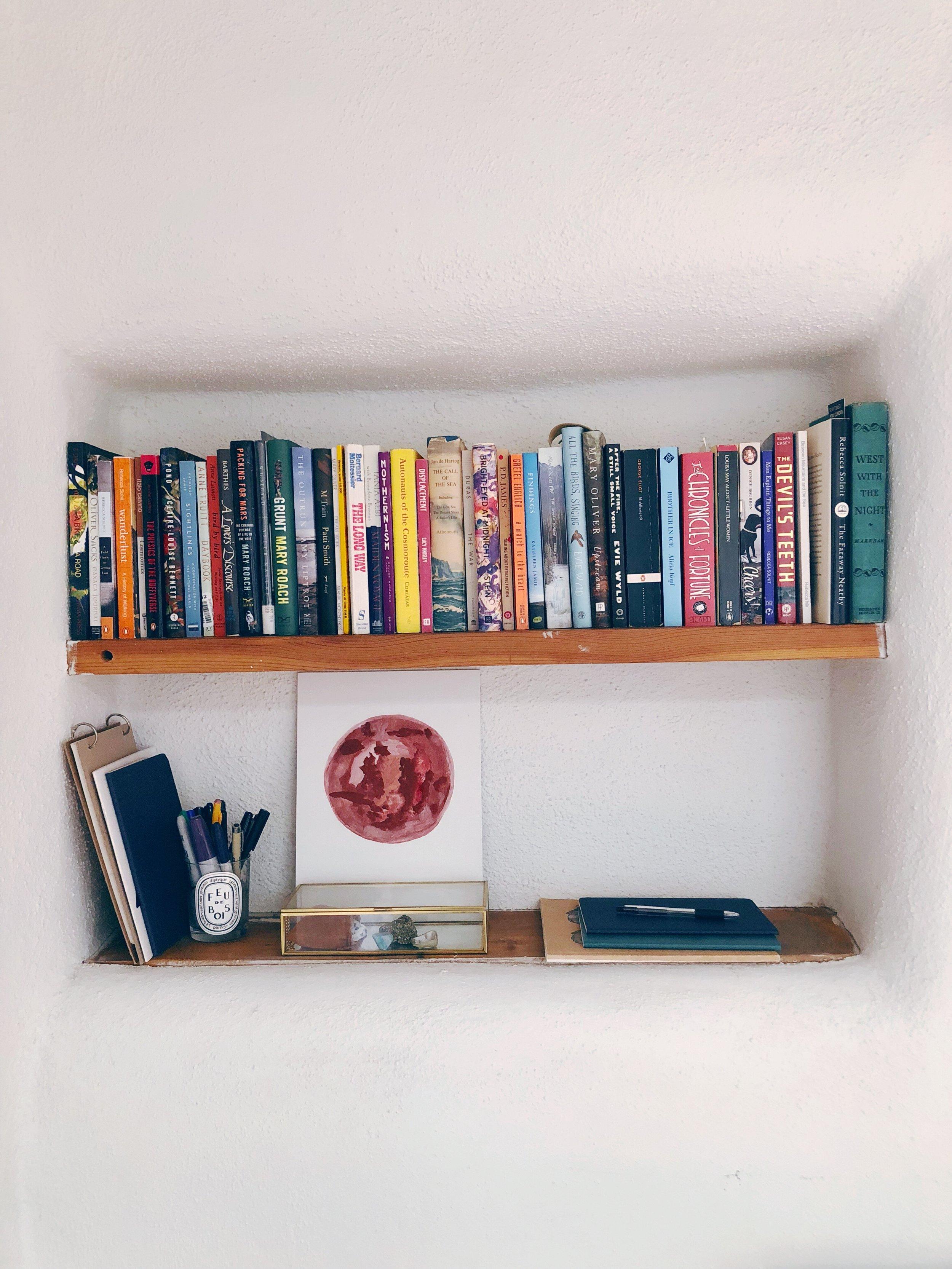 Rebecca Mir Grady - Santa Fe Style Adobe bookshelf