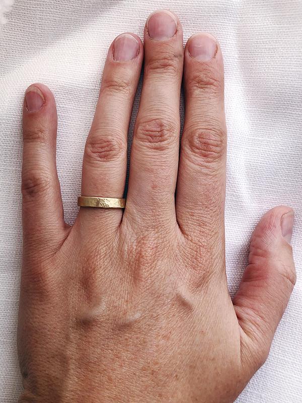 Granite 4mm  in 14k yellow gold