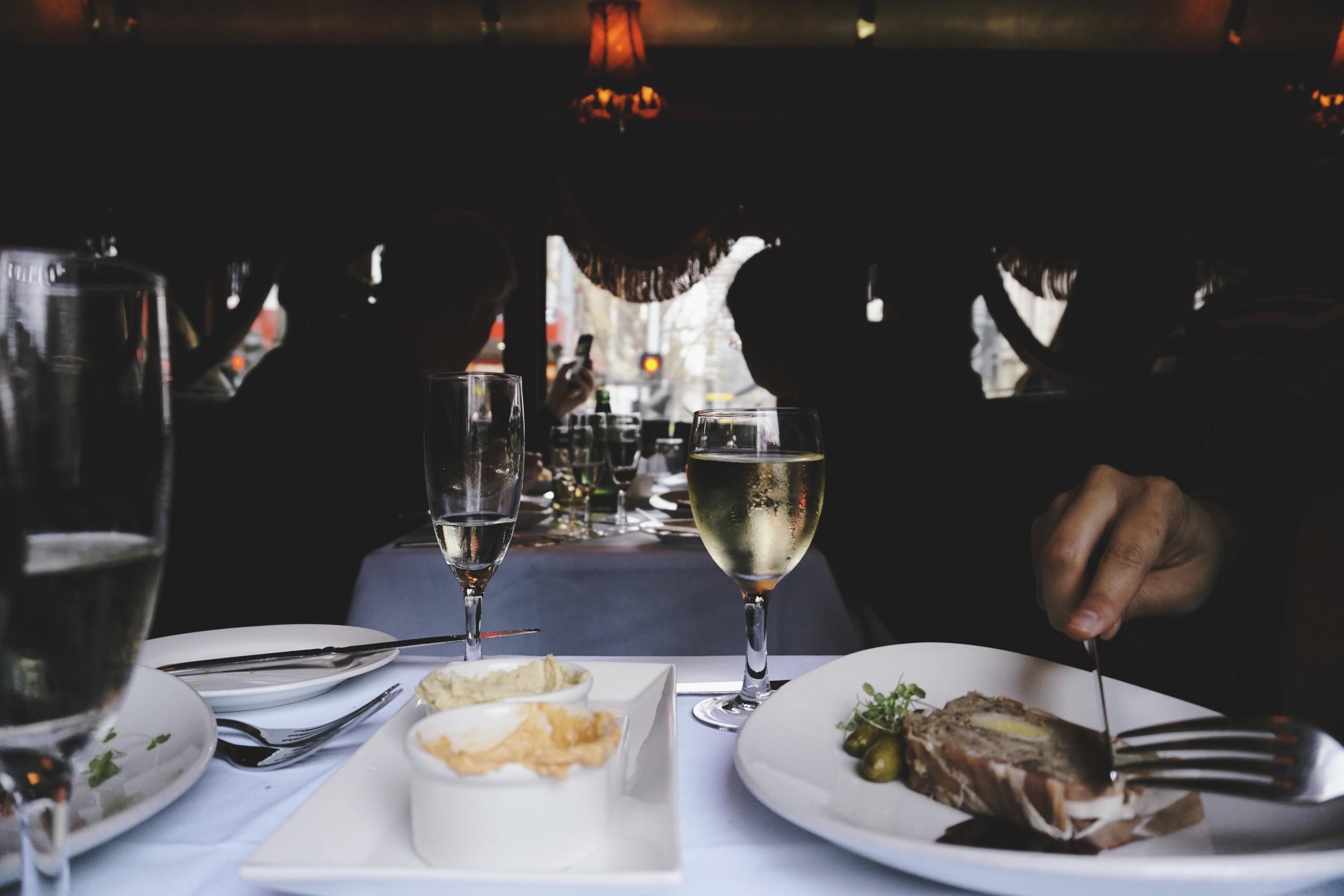 tramcar_restaurant_ripejournal3