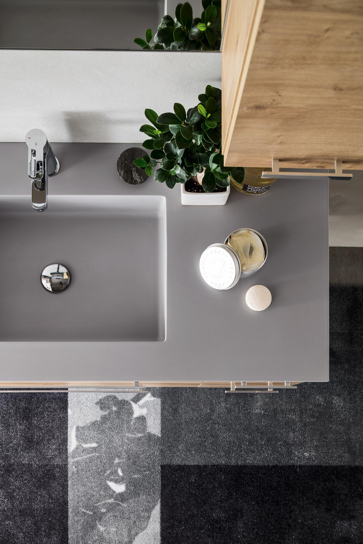 Vasca integrata - I piani con vasca integrata sono una valida alternativa al lavabo consolle, e sono disponibili in tante finiture da poter coordinare anche al piatto doccia.