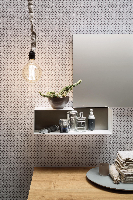 Pensili sagomati - I pensili quadrati o rettangolari permettono di personalizzare la parete e dare libero sfogo alla creatività compositiva.
